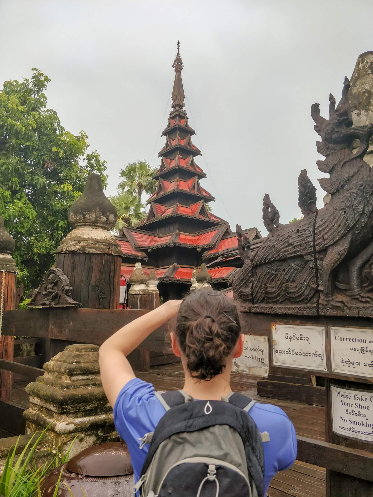 Le célèbre toit du monastère Bagaya