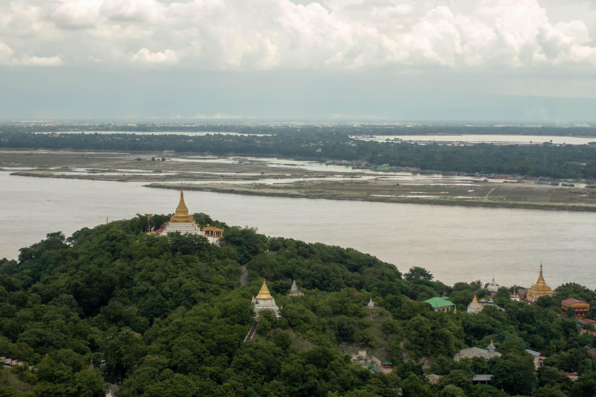 Vue depuis les collines de Sagaing