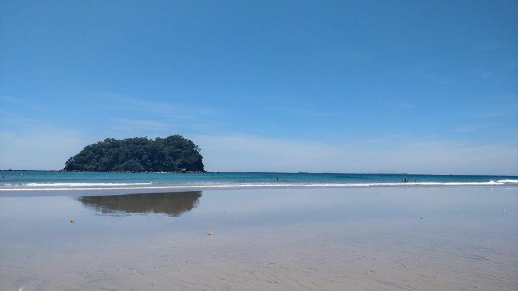 L'immense plage de Mount Manganui