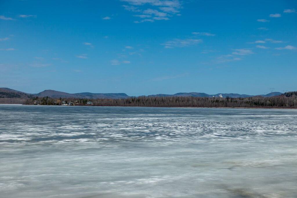 La lac Saint-Charles gelé